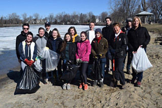Federal Liberal Youth Council cleans up Pincourt's Bellevue Park for Earth Day