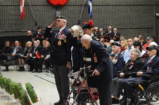 Ste. Anne's Hospital veterans commemorate Remembrance Day
