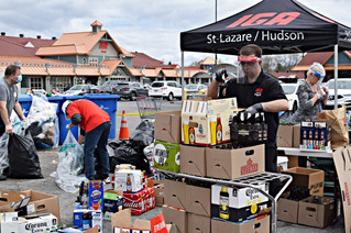 Refundable bottle and can drive raises over $5,000 for La source d'entraide in Saint-Lazare