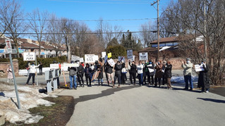 Île-Perrot residents stage outdoor protest over proposed condos