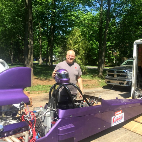 Saint-Lazare dragster taking to the track