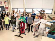 Keeping the pace with bike desks – Fondation Desjardins lends its support to Hudson's École St-Thoma
