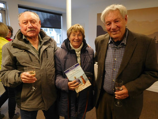 Gimli Glider Captain Bob Pearson lands in Hudson for book launch