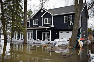 MRC asks province to allow flood victims to deal directly with Red Cross