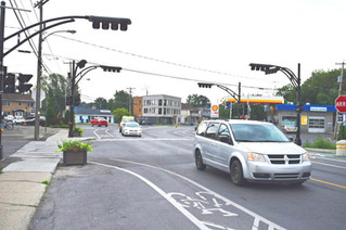 New traffic lights and electric charging public parking lot for L'Île-Perrot