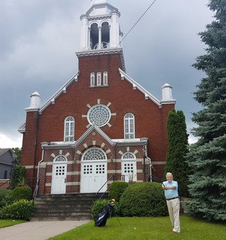 Father Roland Demers all set to tee off for St. Thomas Aquinas Church in Hudson