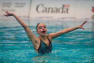 Hudson synchronized swimmer makes a splash