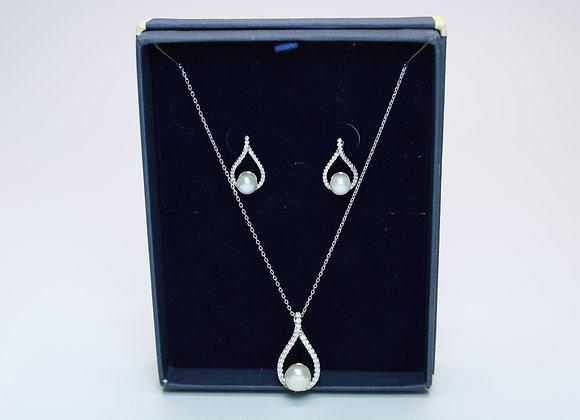 Silver w/ Pearl Earring Set
