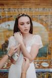 Parure florale sur notre mannequin mariée