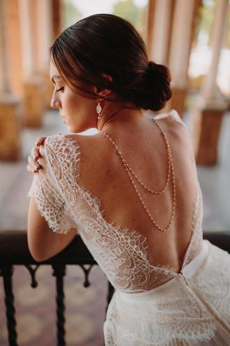 Collier nuptial avec des perles romantiques