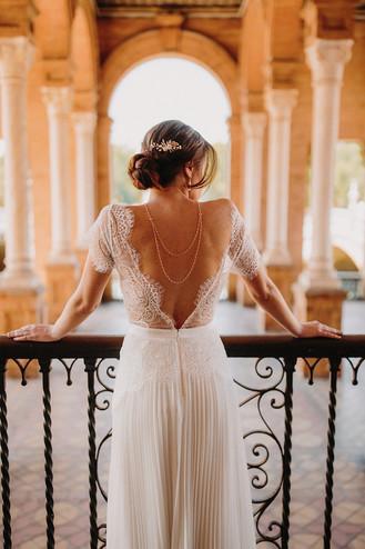 Accessoire robe de mariage dos nu avec perles