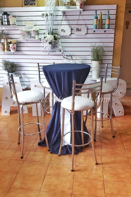 Mesa bar  con mantel, fajon y 4 sillas