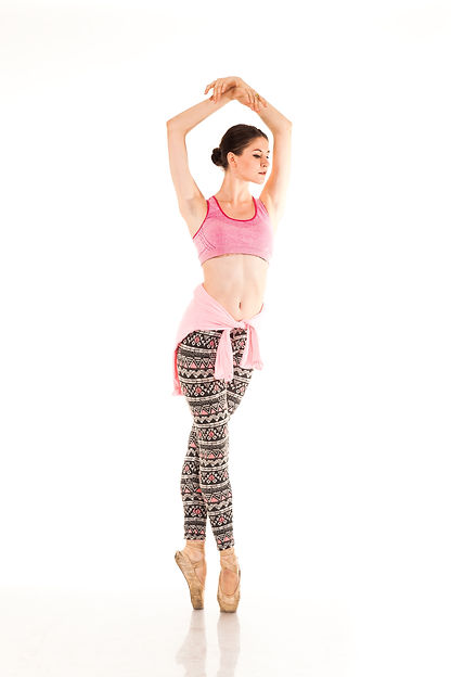 Beautiful slender ballerina in pointe sh