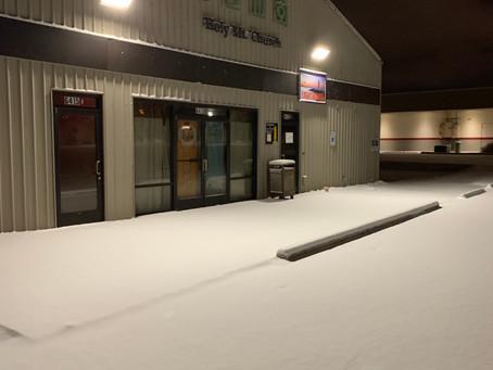 교회 앞에도 눈이 왔어요!