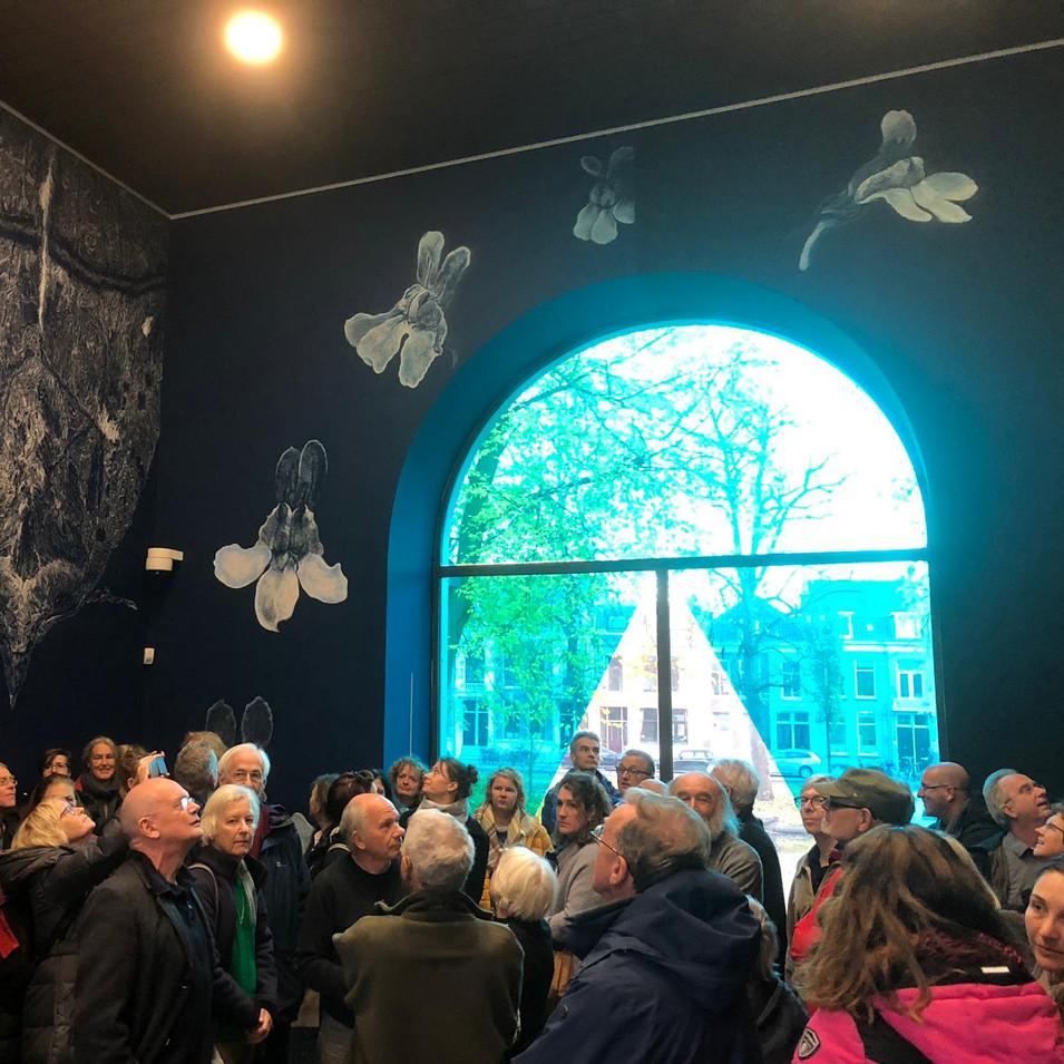 In het Centraal Museum bij het werk van Erik Odijk