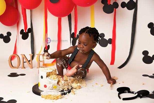(C)Mellz Photography LTD_ London Cake Smash Photographer
