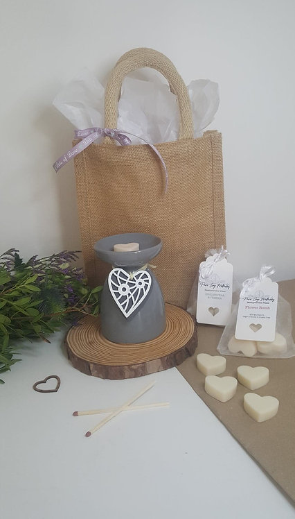 Grey Hanging Heart Burner Gift Set