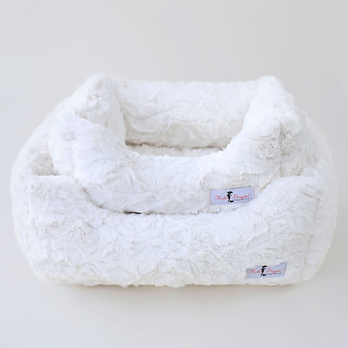 SALE!!!   Bella Dog Bed: Small Vintage from Hello Doggie