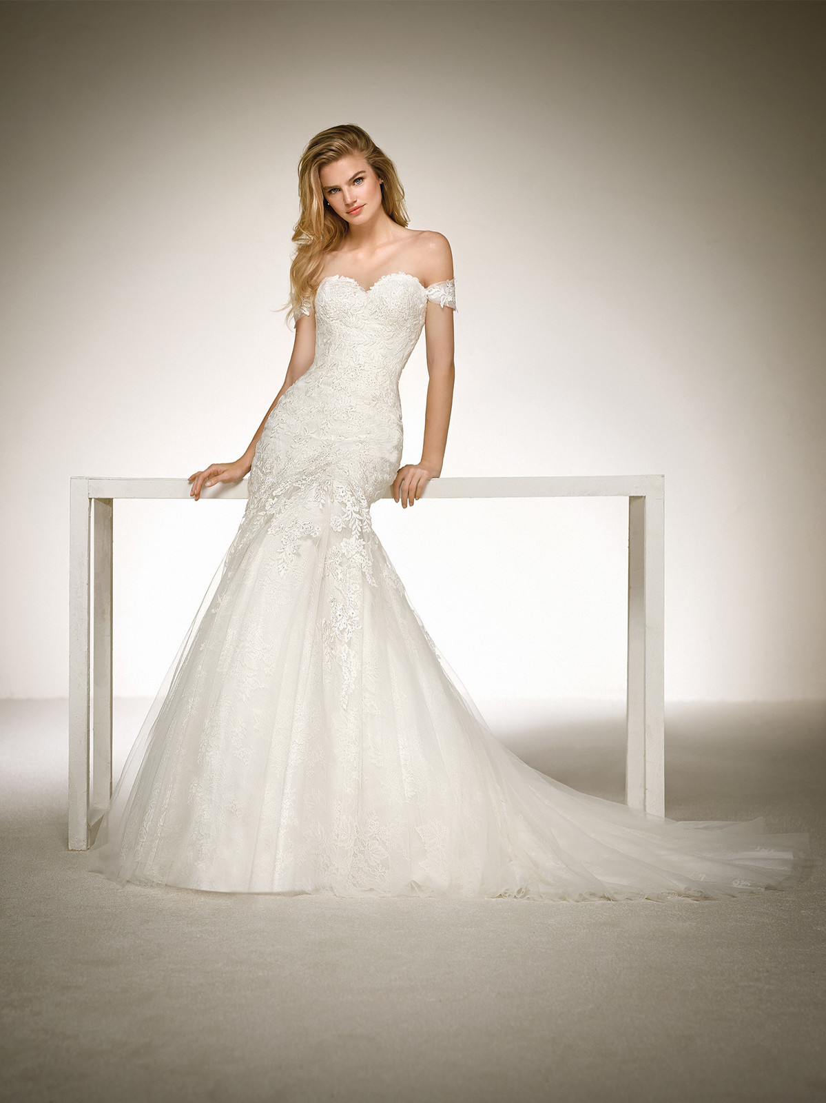 Bliss bridal bolton bridal gowns a sweetheart neckline and a mermaid skirt two luxurious ingredients for creating a wedding dress that exploits the sensuality of every curve ombrellifo Image collections