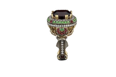 Золотое кольцо с турмалином, бриллиантами и другими драгоценными камнями