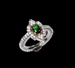 Золотое кольцо с хромдиопсидом
