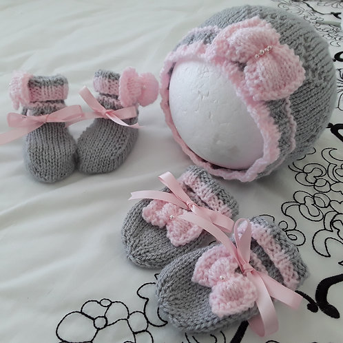 Option 16 matching hat, mittens & booties