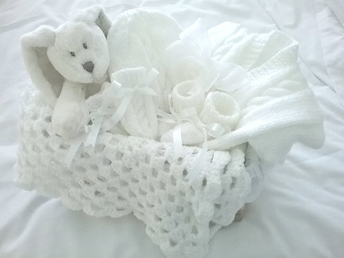 New Baby unisex hand knitted Gift baskets