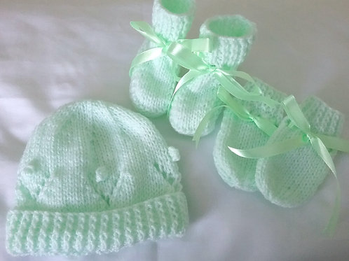Hat, mittens & bootees to match any set