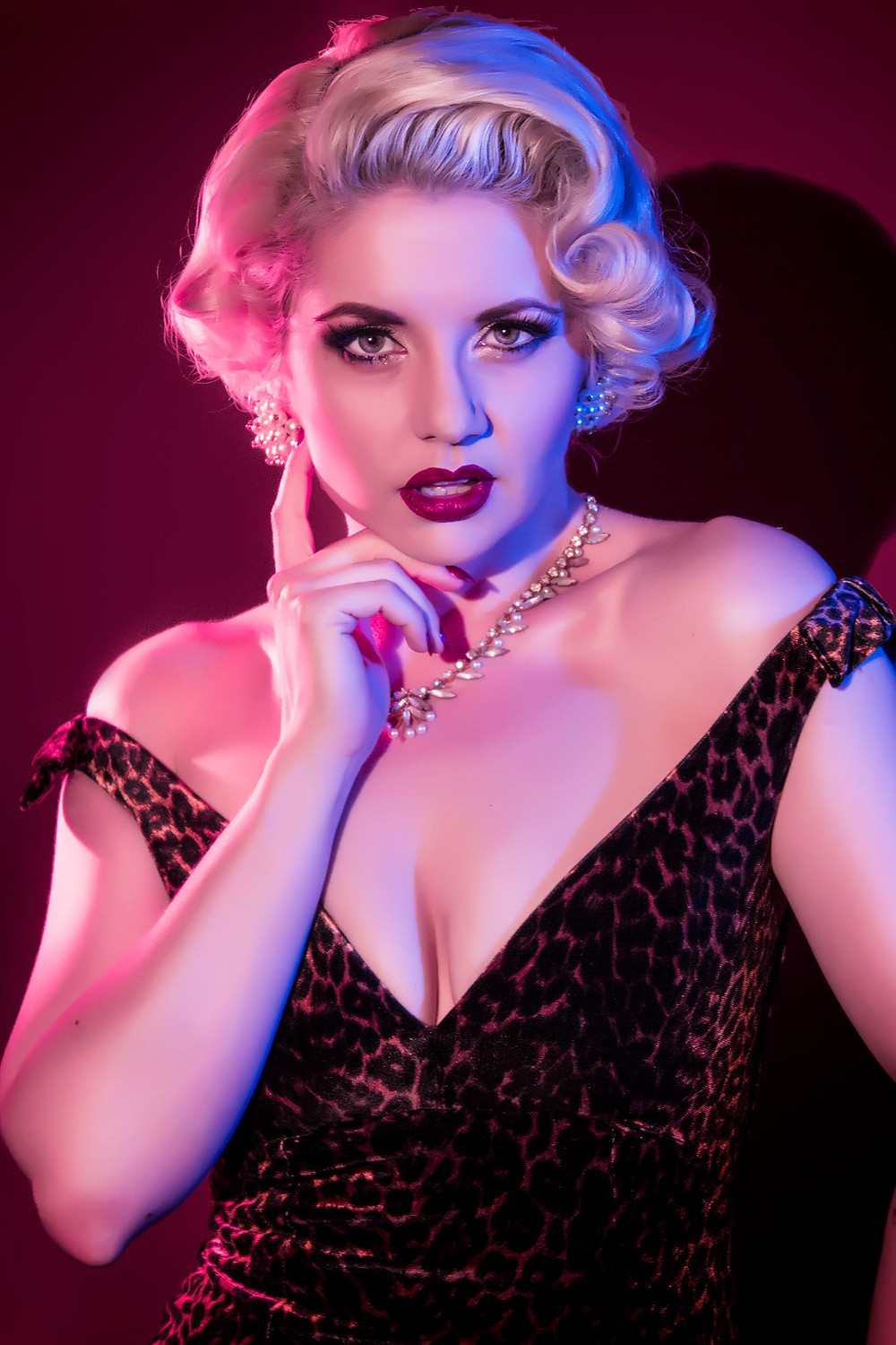 Poppy Cherry Burlesque Melbourne Showboat Nightlife Entertainment