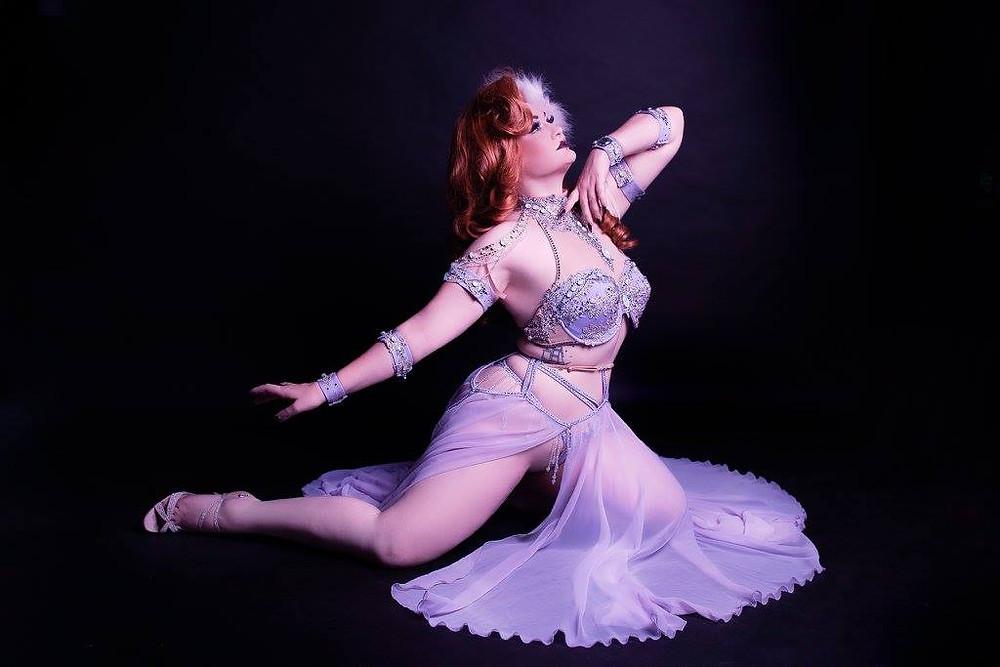 Alyssa Kitt Miss Burlesque Showboat Melbourne Cruise