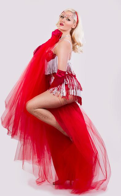 Lyra La Belle Burlesque Showgirl Showboat Hot Sauce
