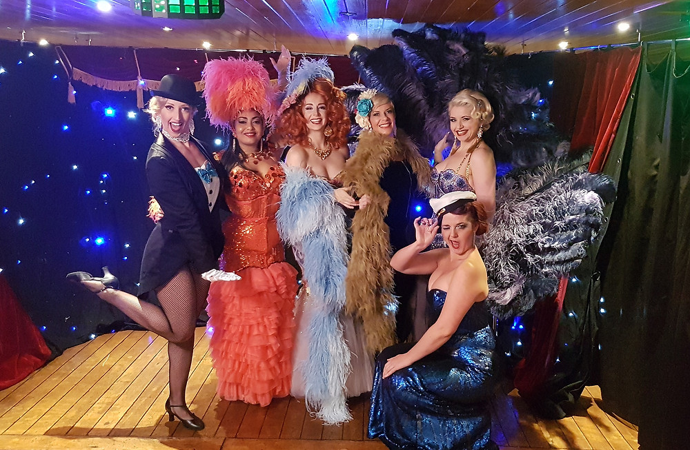 Burlesque Showboat performers up at 5.30am for Channel 7 Sunrise!