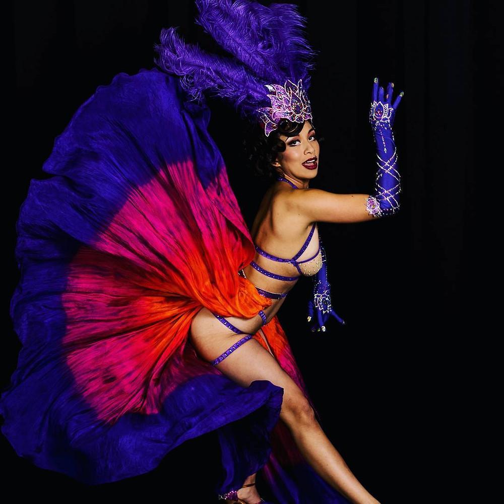 Jazida Burlesque Performer