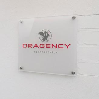 Dragency Schild.jpg