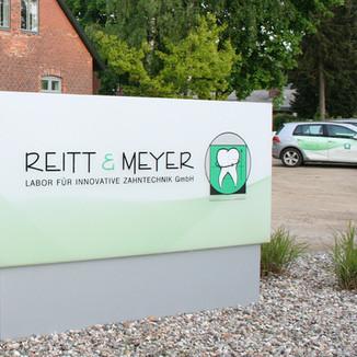 R&M Logo Titel.jpg