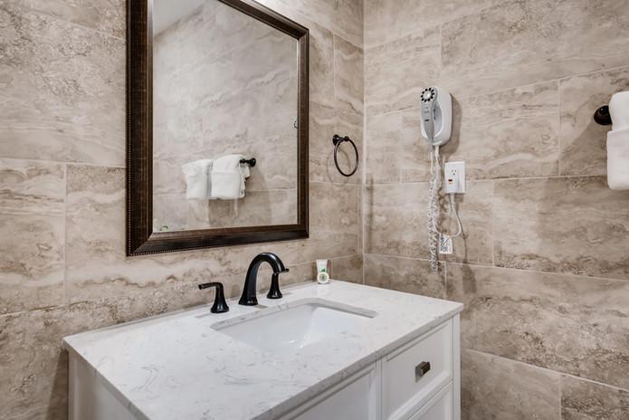 2135 Saratoga St Las Vegas NV-large-019-