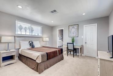 3444 Haverford Ave Las Vegas-large-022-0