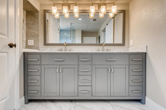 3817 White Castle St Las Vegas-large-007-007-2nd Floor Primary Bathroom-1500x1000-72dpi.jp