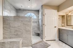 3817 White Castle St Las Vegas-large-003-003-2nd Floor Primary Bathroom-1500x1000-72dpi.jp