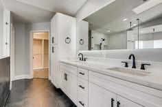 2301 Silver Bluff Ct Las Vegas-large-001-001-2nd Floor Primary Bathroom-1500x1000-72dpi.jp