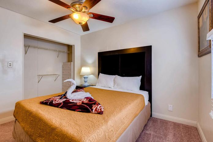 2709 Valparaiso St Las Vegas-large-020-1