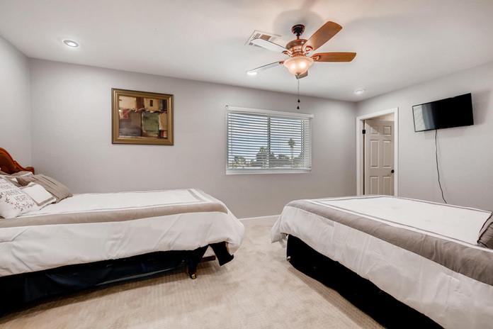 2135 Saratoga St Las Vegas NV-large-023-