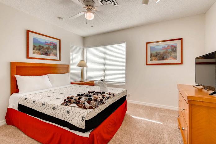 7032 Quarry drive Las Vegas NV-large-020