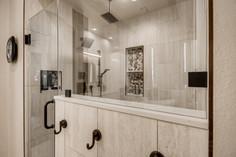 1371 Panini Dr Henderson NV-large-007-003-Primary Bathroom-1500x1000-72dpi.jpg