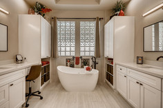 1371 Panini Dr Henderson NV-large-009-009-Primary Bathroom-1500x1000-72dpi.jpg