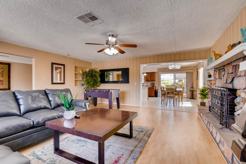 6213 Laredo St Las Vegas NV-large-008-23
