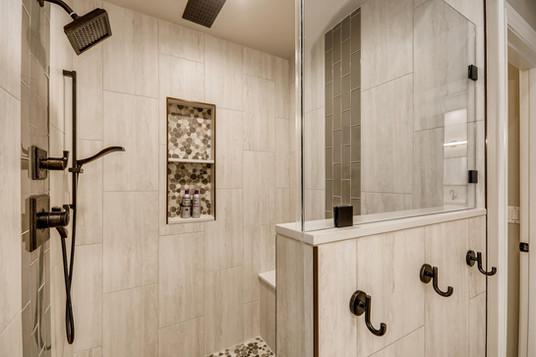1371 Panini Dr Henderson NV-large-006-006-Primary Bathroom-1500x1000-72dpi.jpg
