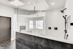 2301 Silver Bluff Ct Las Vegas-large-012-022-2nd Floor Primary Bathroom-1500x1000-72dpi.jp