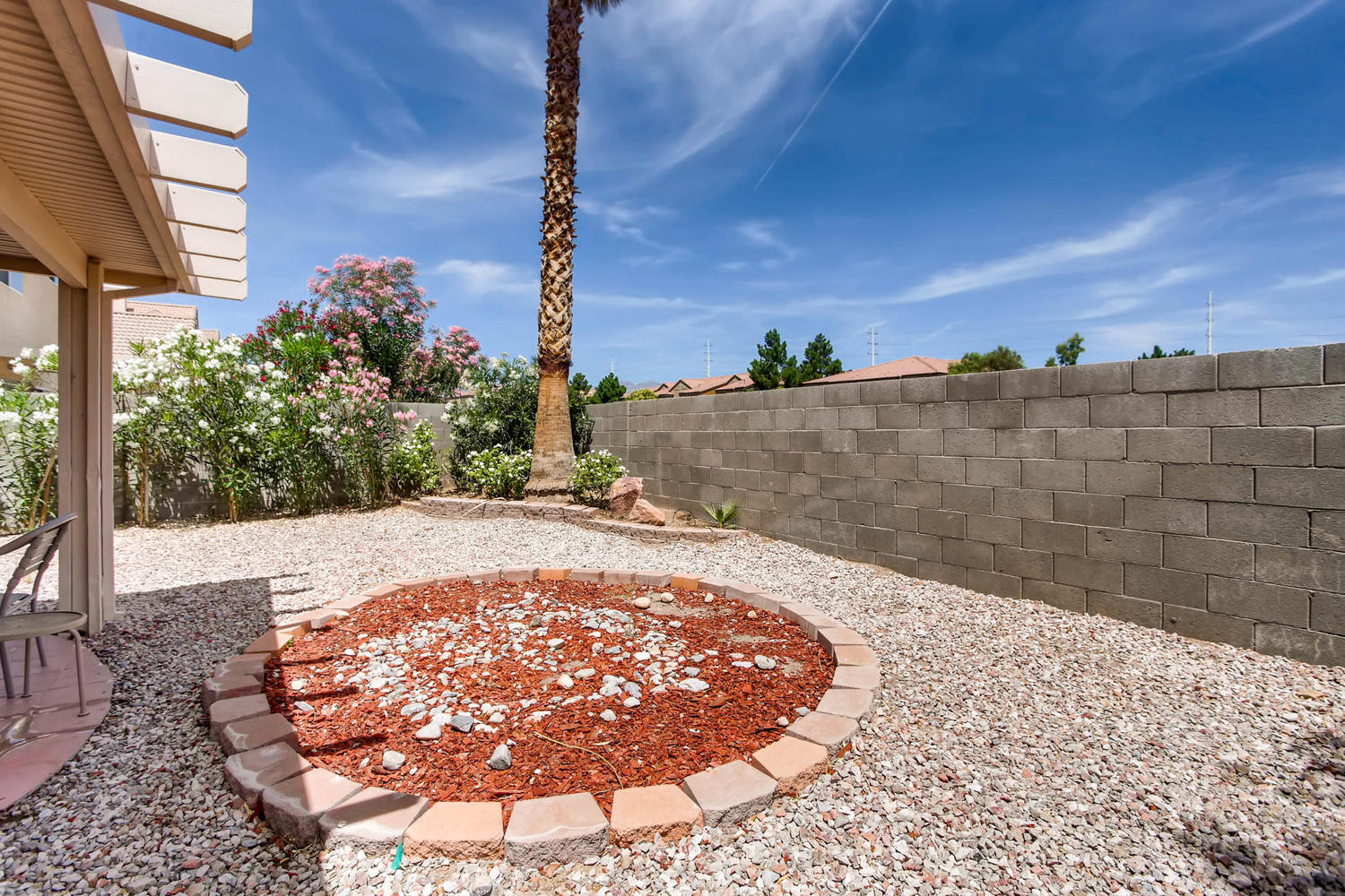 8322 Fame Ave Las Vegas NV-large-027-17-