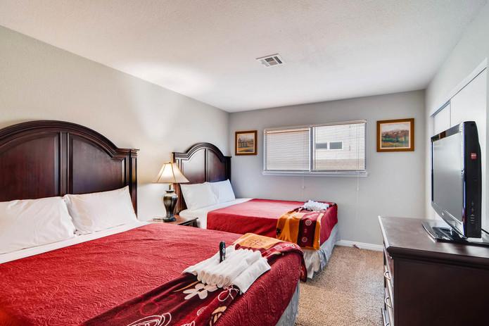 4540 Topaz st Las Vegas NV-large-020-29-